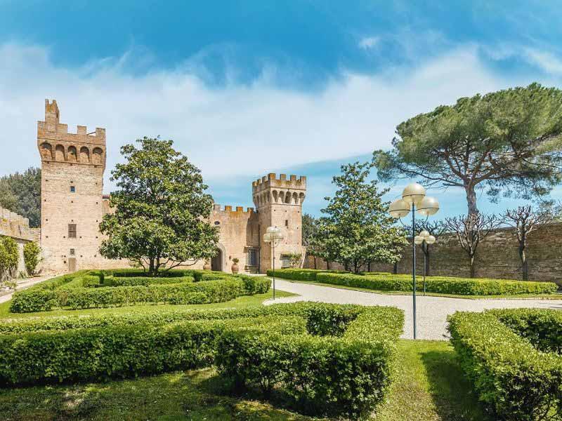 Castello Oliveto Castelfiorentino Brunelleschi