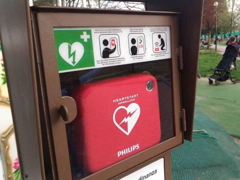 Defibrillatore - cena piazza Gualfredotto Firenze