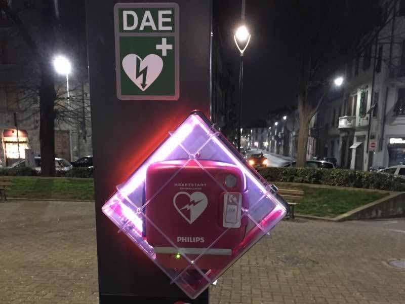 piazza Gualfredotto, defibrillatore