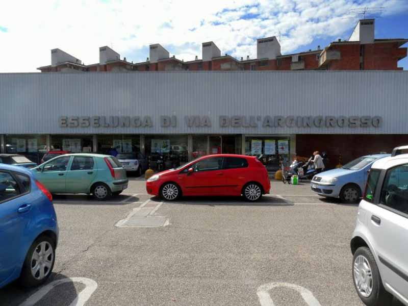 A Firenze apre l'Esselunga al Galluzzo, chiude quella dell'Argingrosso