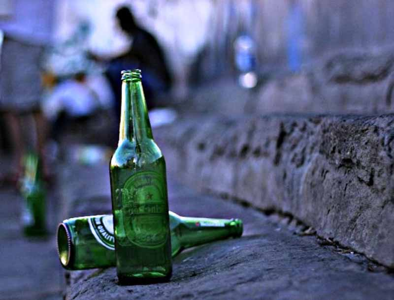 Abuso di alcol ordinanza Firenze orari vendita alcolici