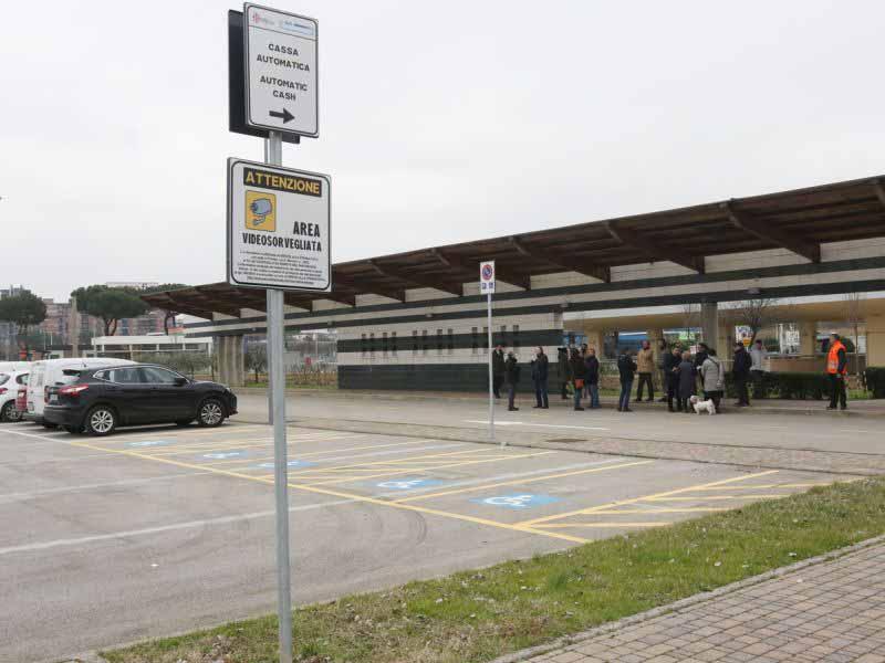 parcheggio scambiatore viale Guidoni Firenze
