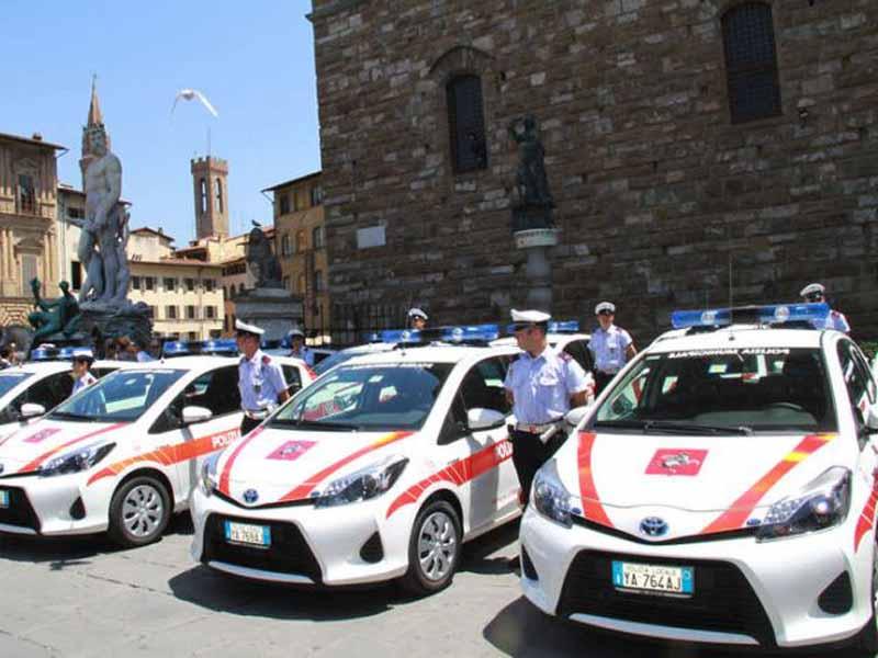Ordinanza Firenze sicurezza piazze