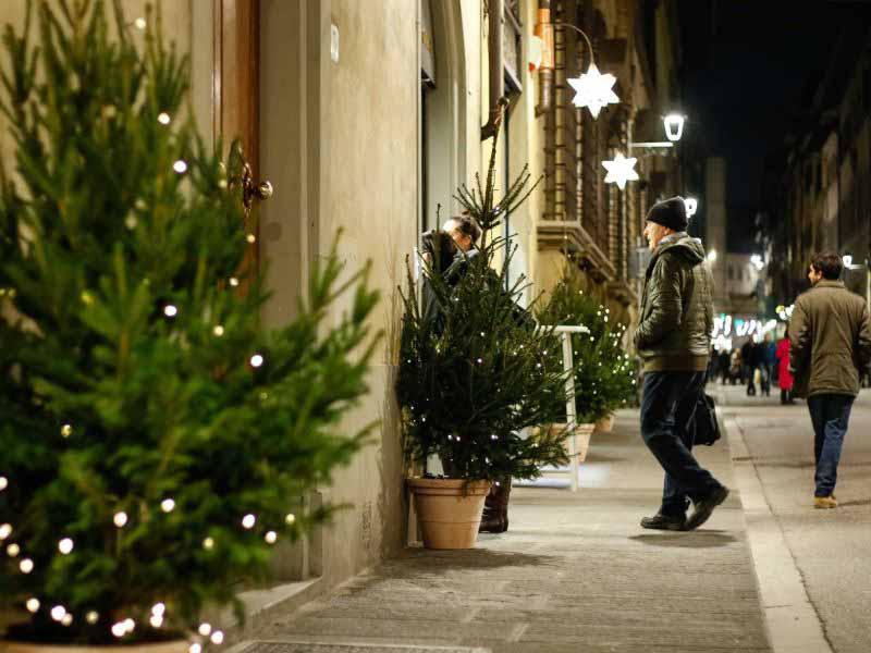 Via Maggio Natale Firenze - Contemporaneamente