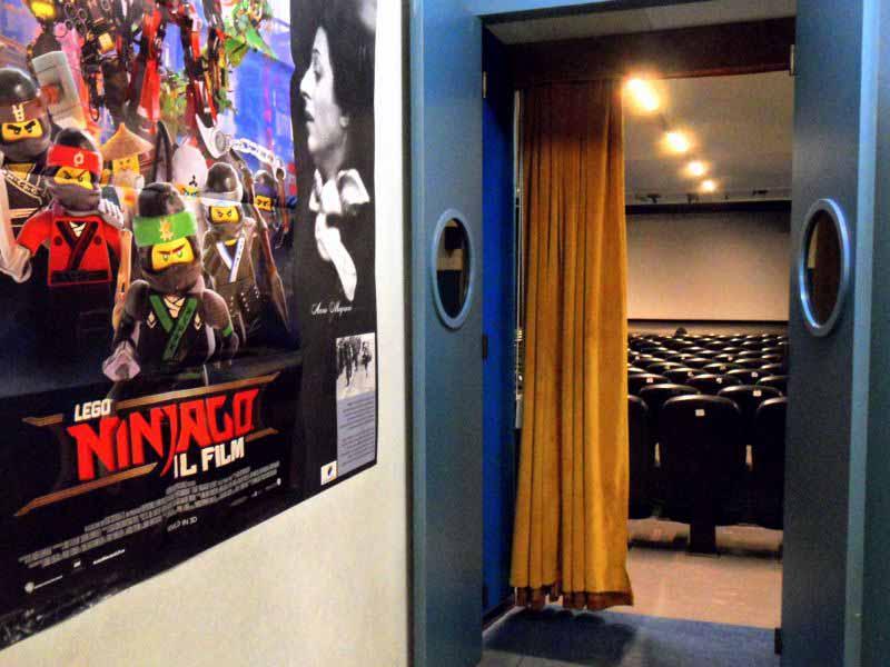 Cinema Sala Esse Firenze via del Ghirlandaio