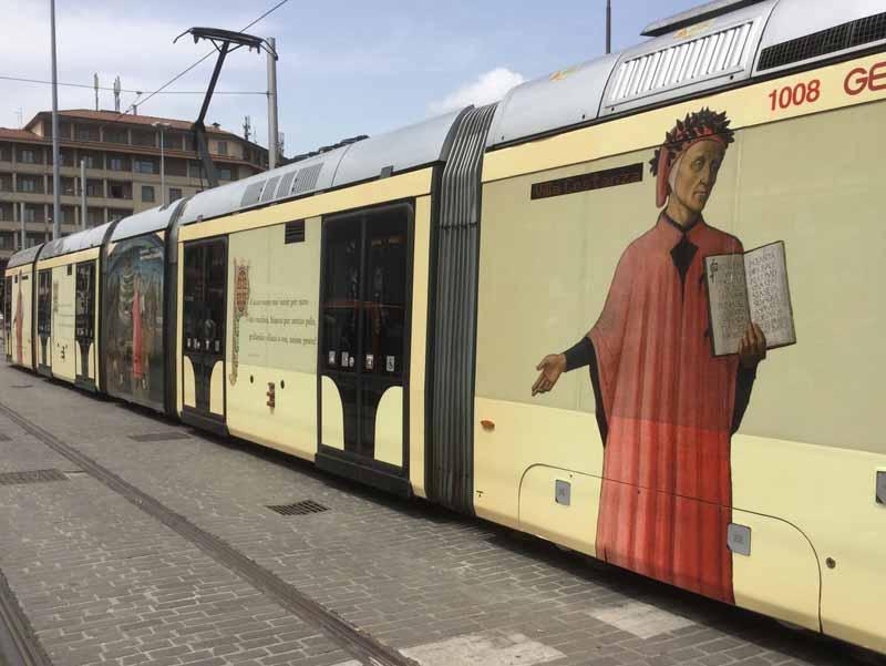 Per il suo compleanno dante sale in tramvia for Design della casa di 750 piedi quadrati