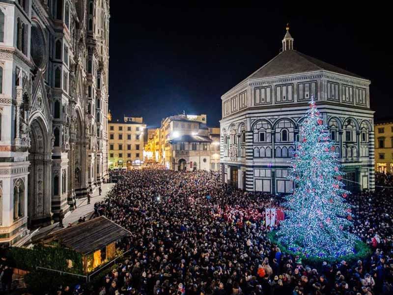 Albero Natale Firenze luci di Natale luminarie