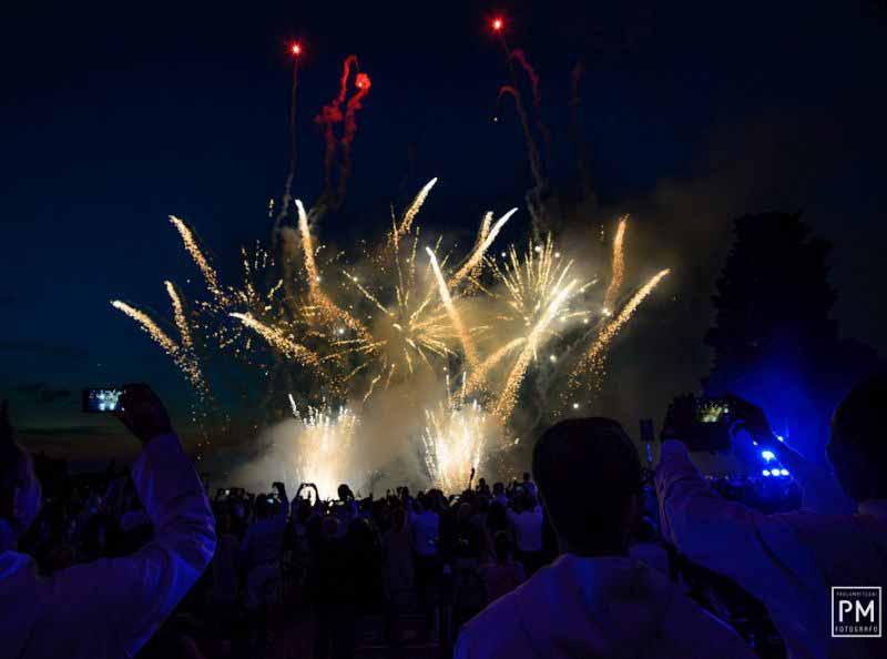 Fuochi artificio San Miniato al Monte Firenze - Millennium Sunset Concert
