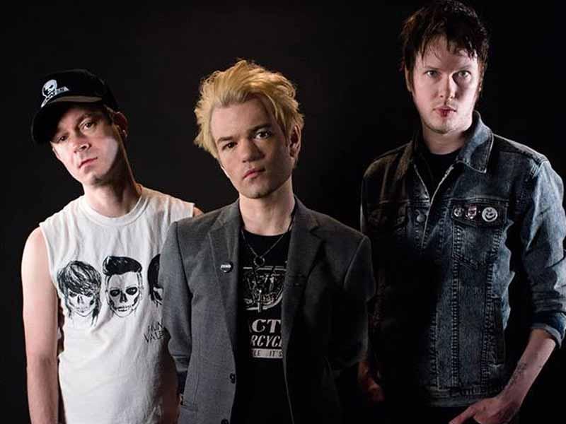 Sum 41 a Firenze Rocks. Info e biglietti per il concerto del 16 giugno di spalla ai The Cure