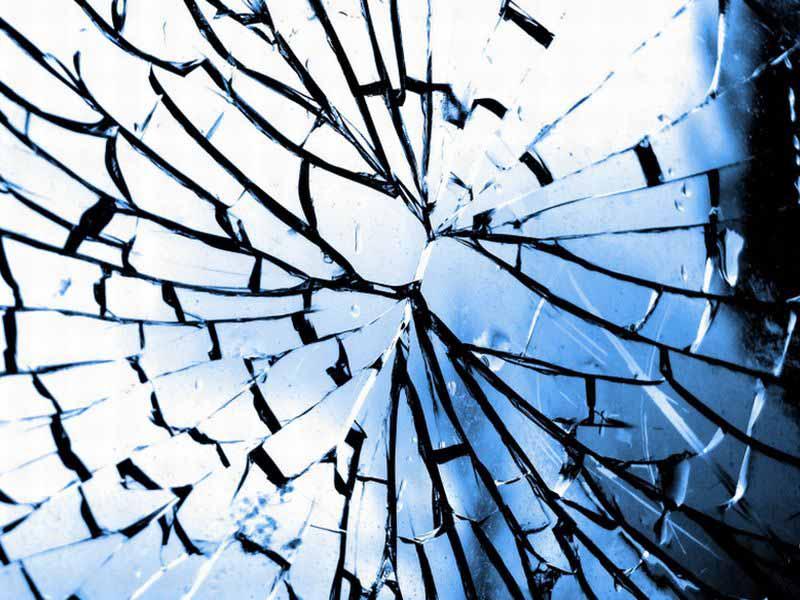 Venerd 17 fra storie e superstizioni - Superstizione specchio rotto ...