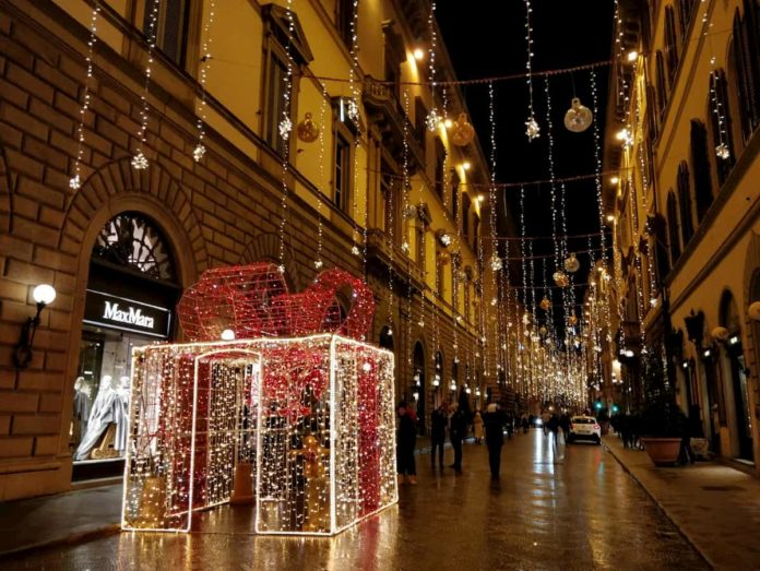 Luminarie Firenze Natale via Tornabuoni