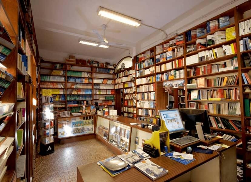 LIbreria via Laura - vendita libri scolastici Firenze