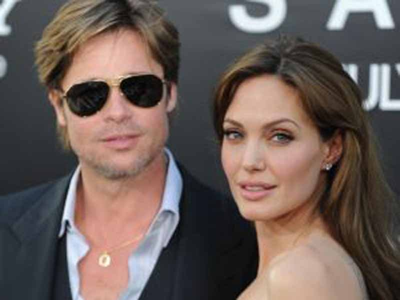 Pieno e caffè? Con Brad Pitt e Angelina Jolie