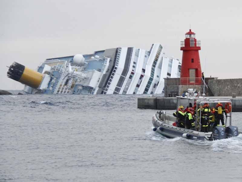 Prossima fermata, Genova: la Costa Concordia non si ferma a Piombino