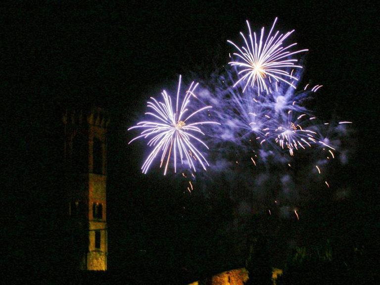 Badia fa festa: dai 'fochi' alle cene davanti l'abbazia