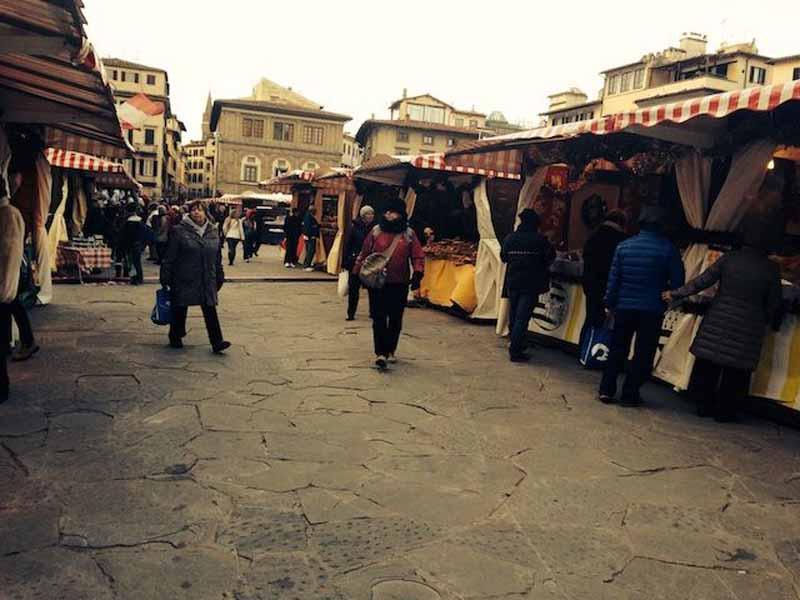 Mercatino tedesco Natale Firenze piazza Santa Croce