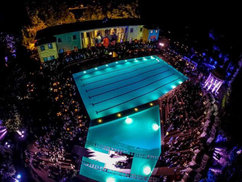 Pavoniere Firenze piscina 2018 prezzi discoteca aperitivo nuoto libera balneazione estiva