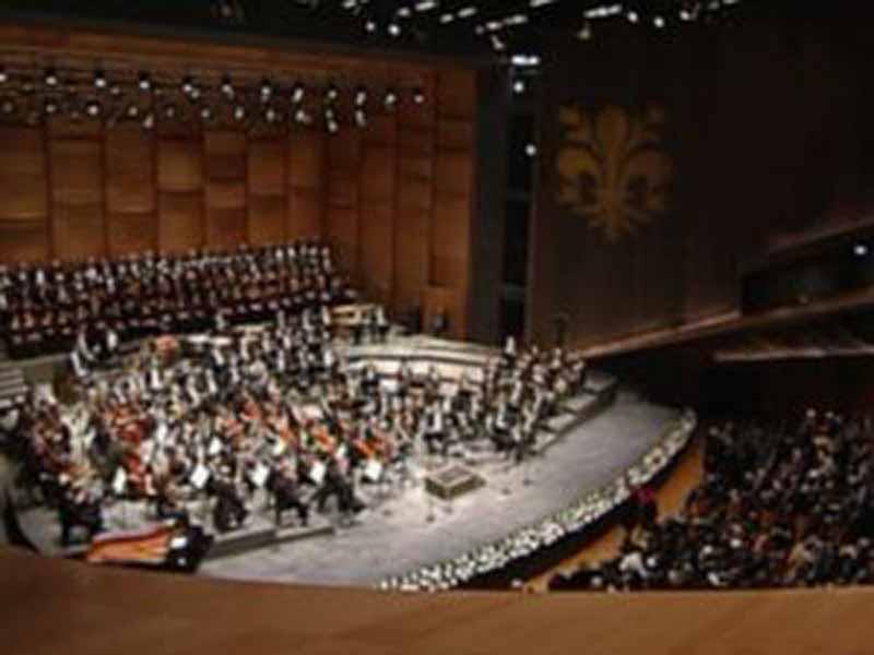 La festa del nuovo Teatro dell'Opera, con una parata di stelle / FOTO