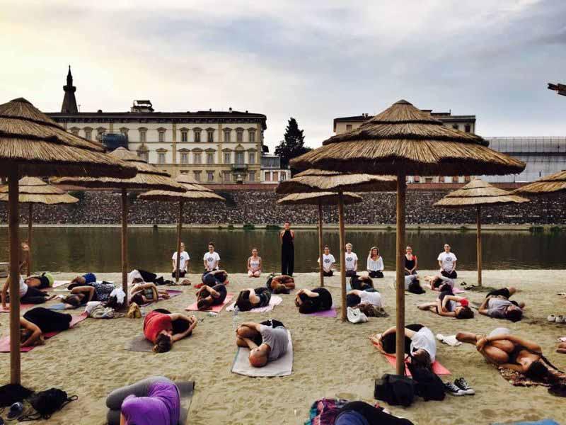 Yoga all'aperto Firenze - giardini e parchi yoga gratis spiaggina