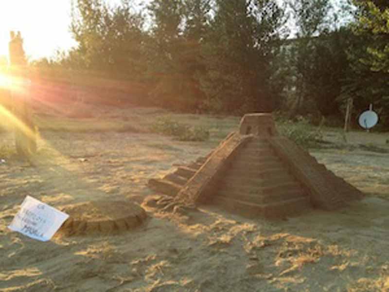 inte di ferragosto a Firenze - sfida dei castelli di sabbia