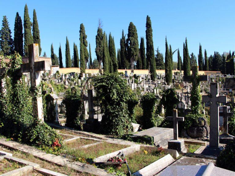 Una 'colletta' per salvare il cimitero degli Allori