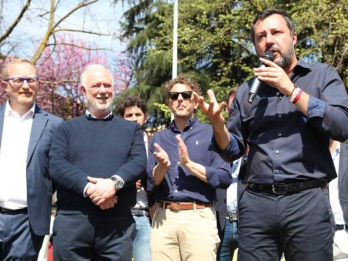 Salvini Firenze Isolotto piazza Tigli