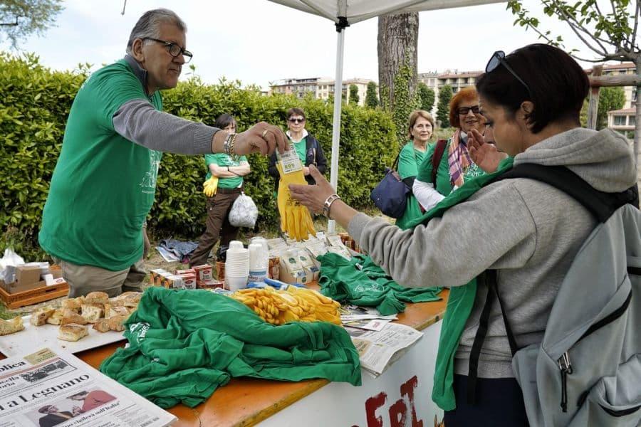 Liberi dai rifiuti parco Albereta Firenze sud