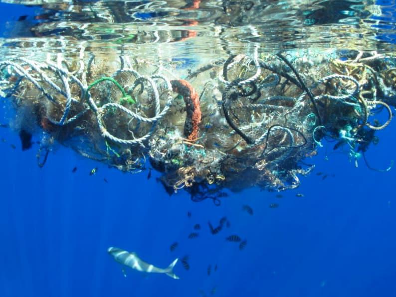 Arcipelago pulito plastica mare inquinamento