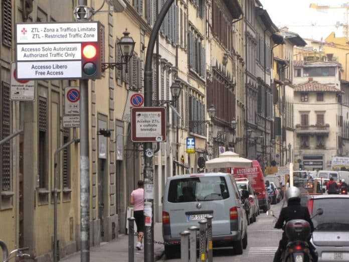 Ztl notturna estiva Firenze porta telematica