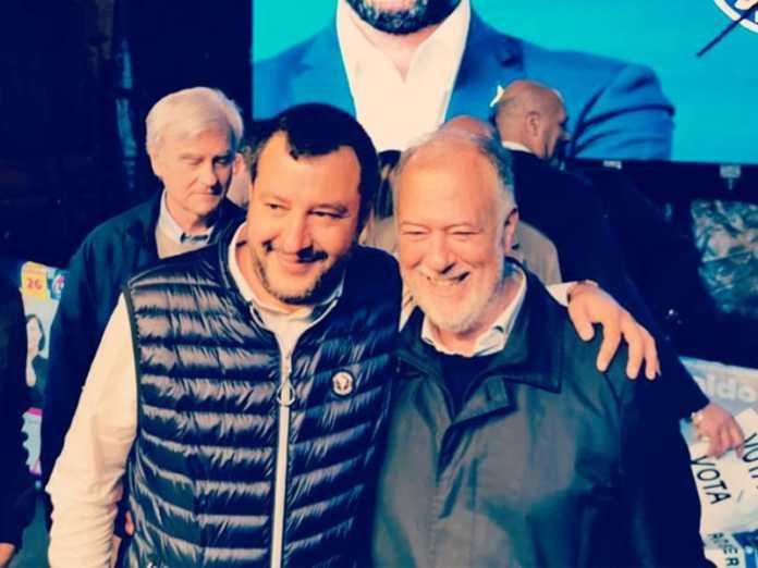 Salvini a Firenze, comizio e contestazione