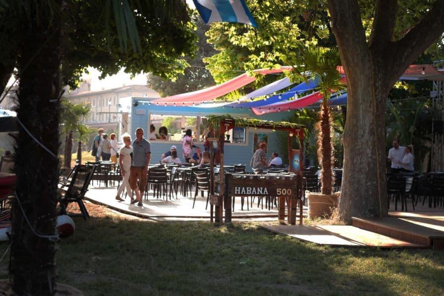 Habana 500 ex Fiorino sull'Arno locali estivi all'aperto
