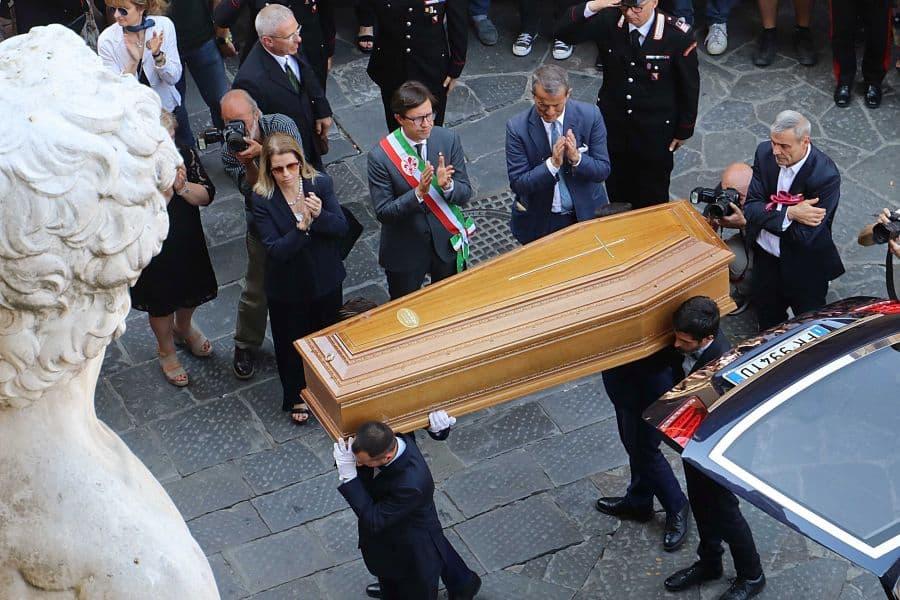 Zeffirelli Firenze camera ardente funerale