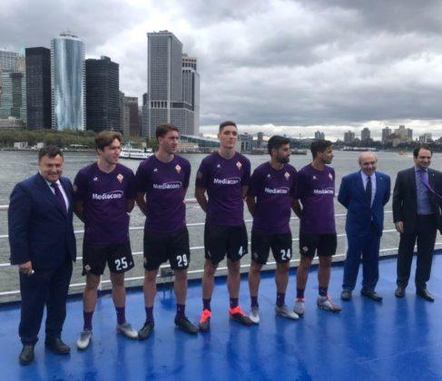 La nuova maglia della Fiorentina per la stagione 2019/2020