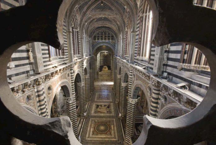 Duomo Siena scopertura pavimento 2020 cattedrale
