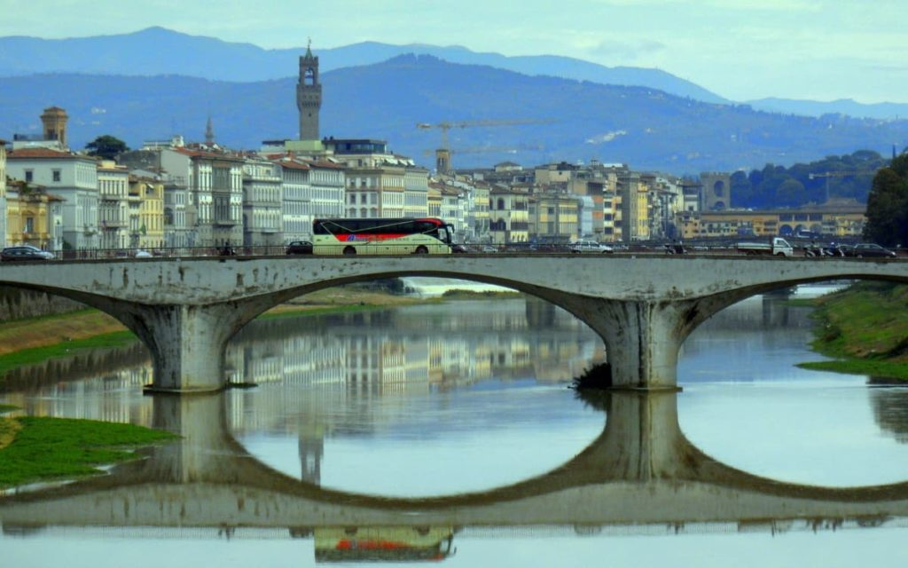 Traffico smog Firenze Ponte Vittoria