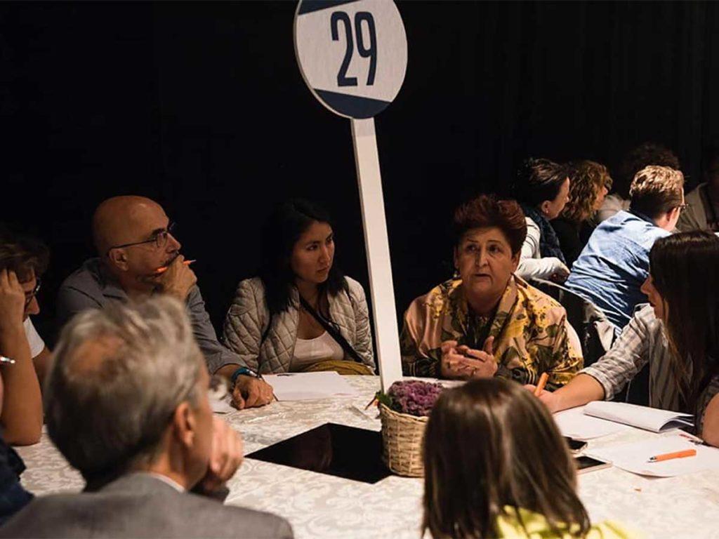 Tavolo di lavoro della scorsa edizione della Leopolda con l'attuale ministro Teresa Bellanova