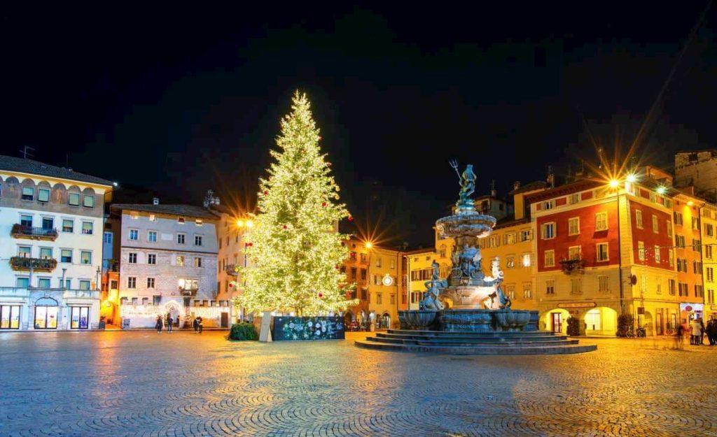 Natale Trento Albero mercato da visitare