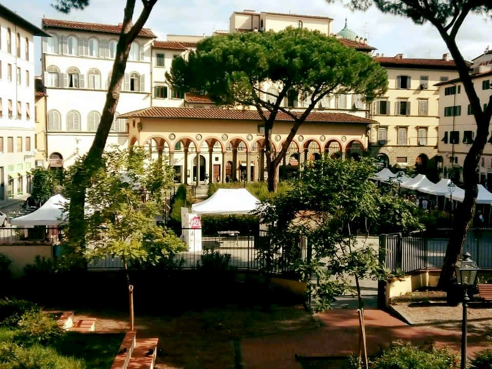 Piazza Ciompi mercatino artigianato