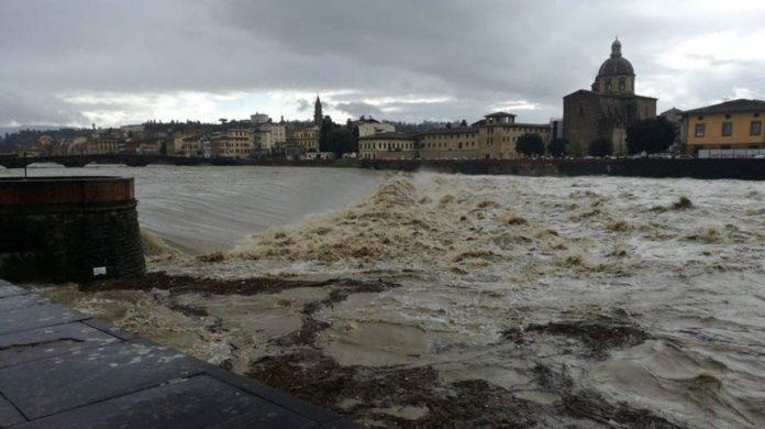 Arno firenze situazione oggi meteo piena