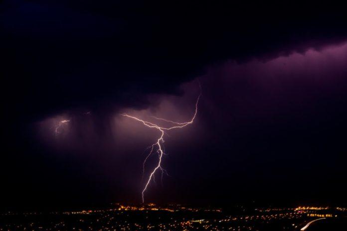 Allerta meteo Firenze oggi temporale