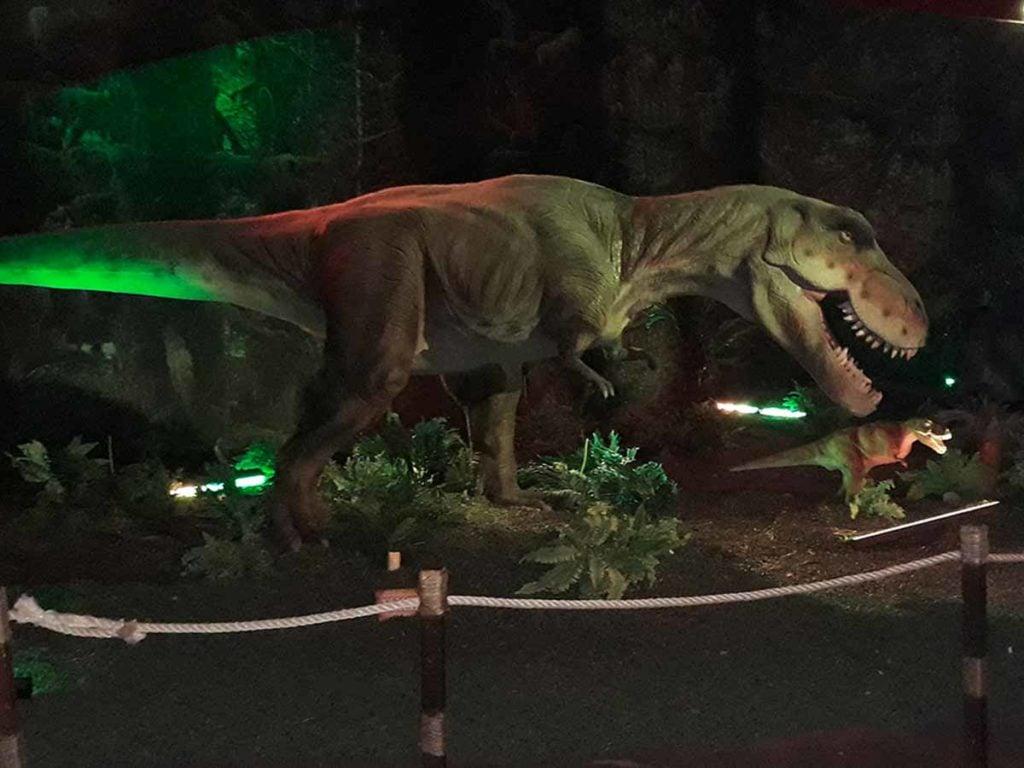 Dinosaur Invasion ricostruzioni