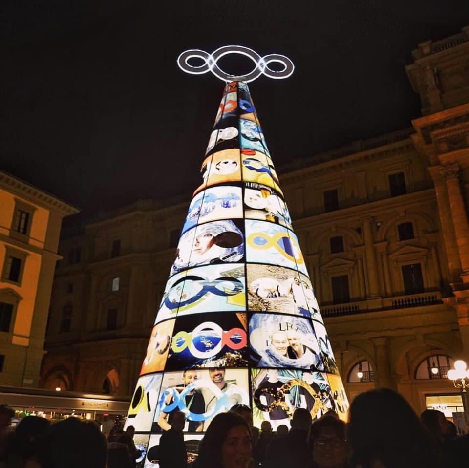 Albero Natale Michelangelo Pistoletto piazza Repubblica Firenze