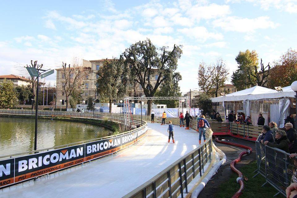 Florence Ice Village pista pattinaggio Firenze orari prezzi