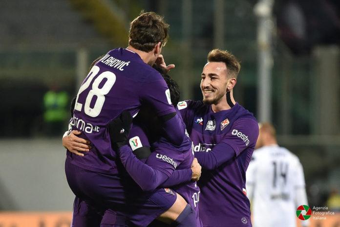 La Fiorentina vince lo scontro salvezza