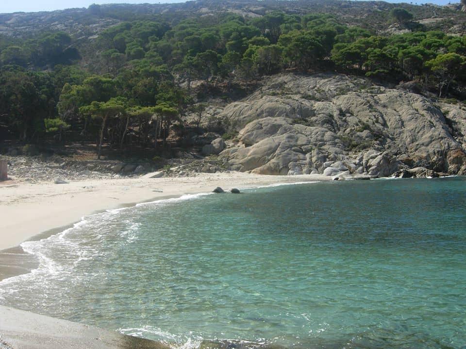 Isola Montecristo Toscana traghetti