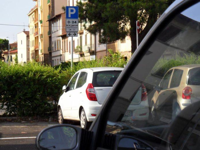 Parcheggio Firenze strisce blu gratis residenti