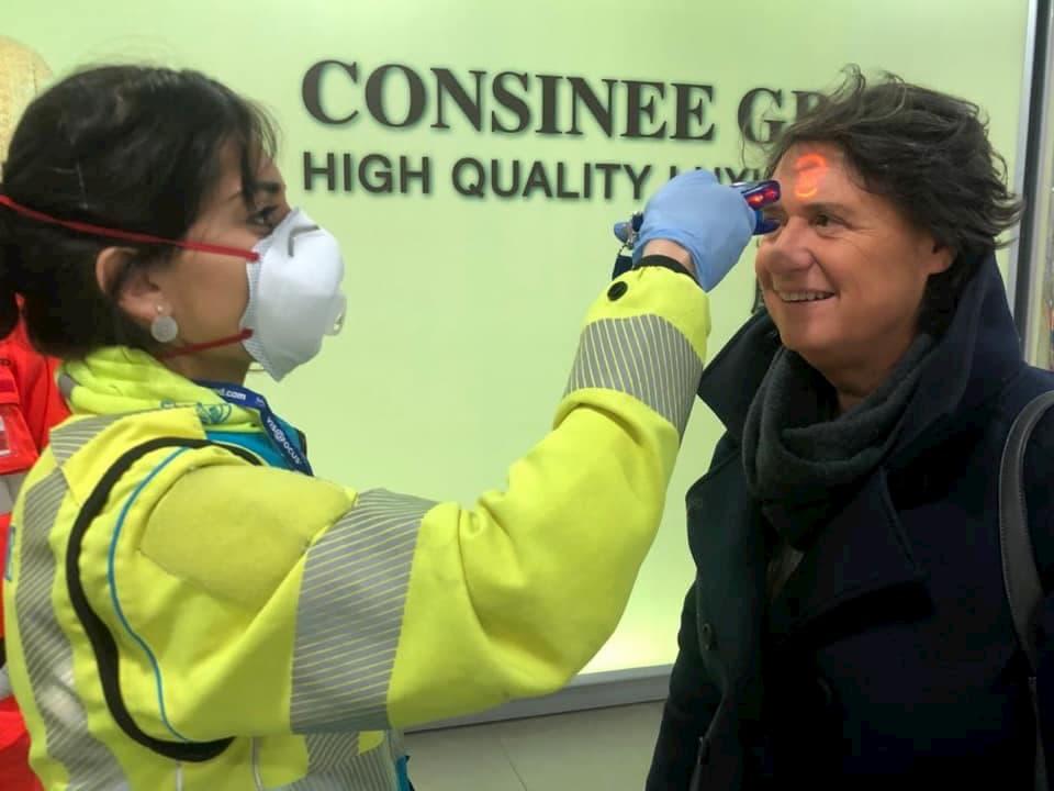 Coronavirus controlli Toscana aeroporti