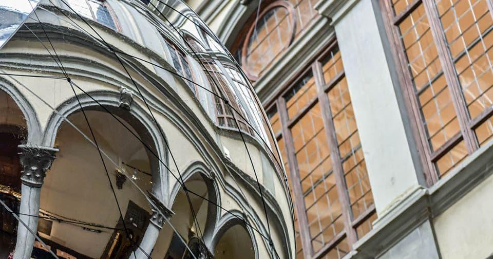 Tomas Saraceno installazione cortile Palazzo Strozzi