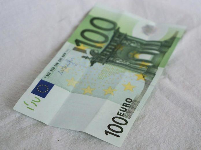 Coronavirus, bonus da 100 euro per chi lavora