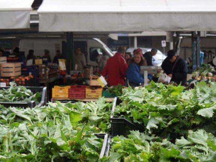 Mercato Firenze mercati rionali coronavirus aperti chiusi